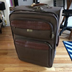 b1f76b1d4bf6 Tommy Bahama suitcase